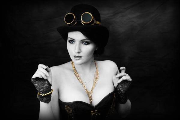 When you start your steampunk wardrobe, it's best to buy basic pieces that can be used in different outfits- don't get overwhelmed!