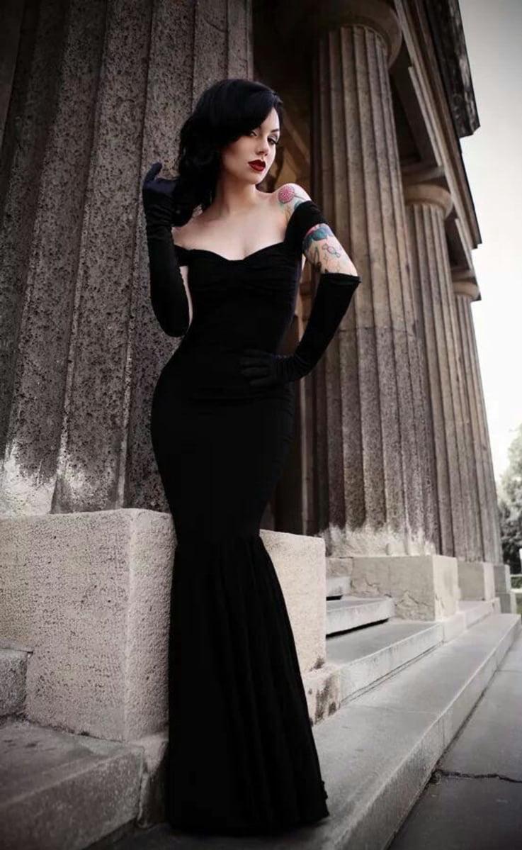 fishtail dress, little black dress, glamorous dress, retro dress, glamour dress, lbd, ootd, tattooed girl, goth girl,