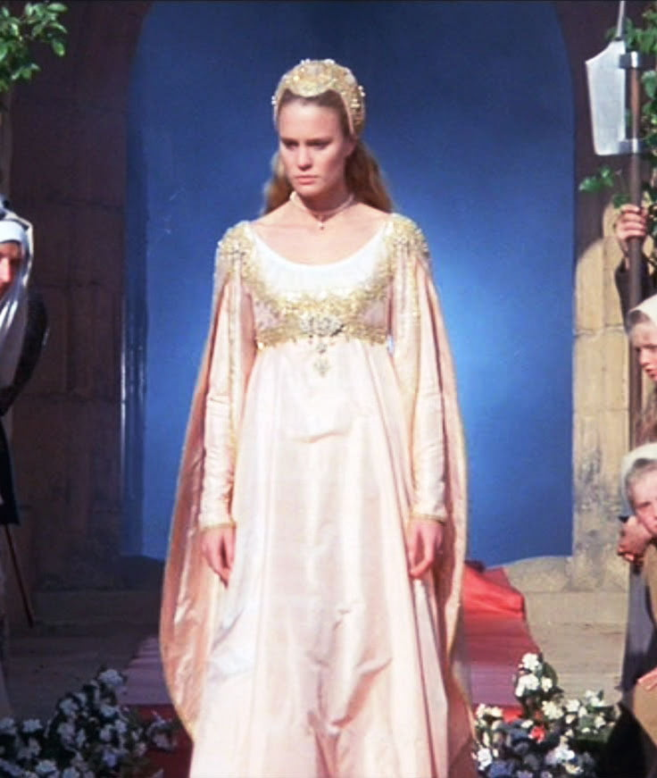 Robin Wright looks like royalty in this Renaissance style dress from Princess Bride