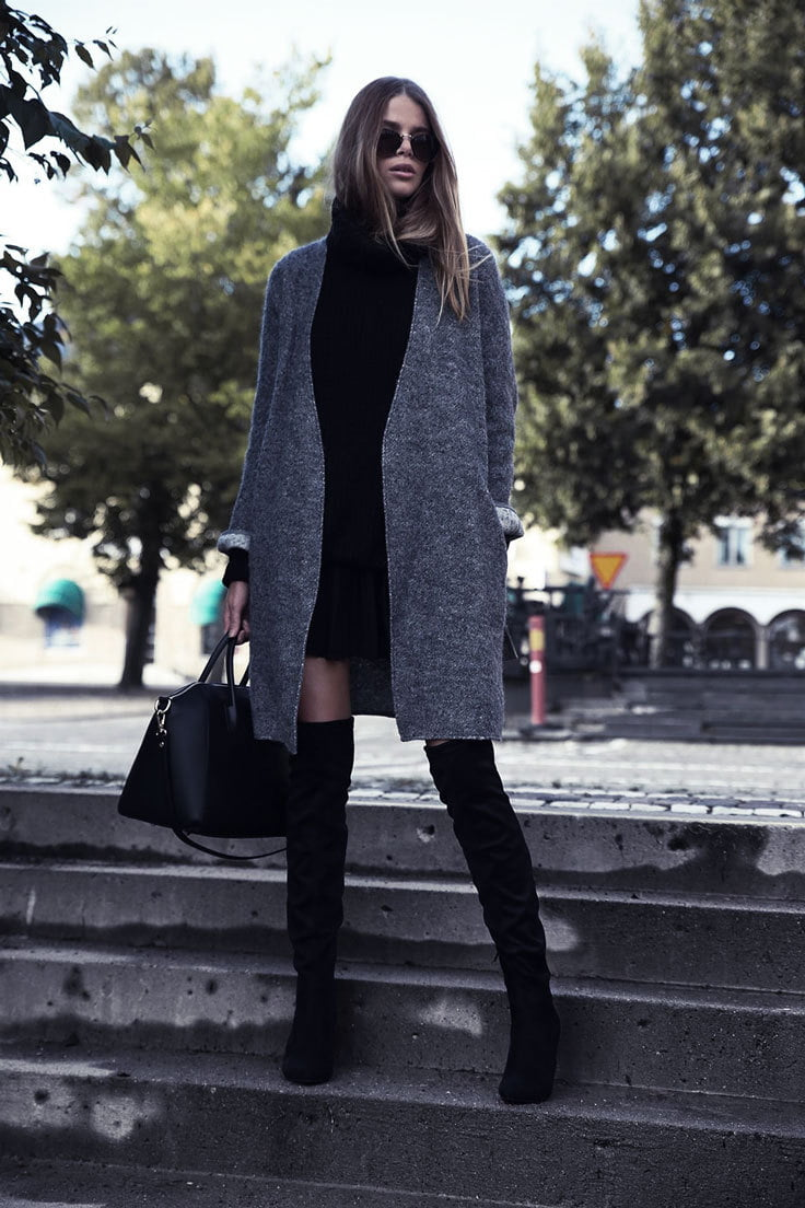 Oversize sweaters are a comfy way to go grunge at work!