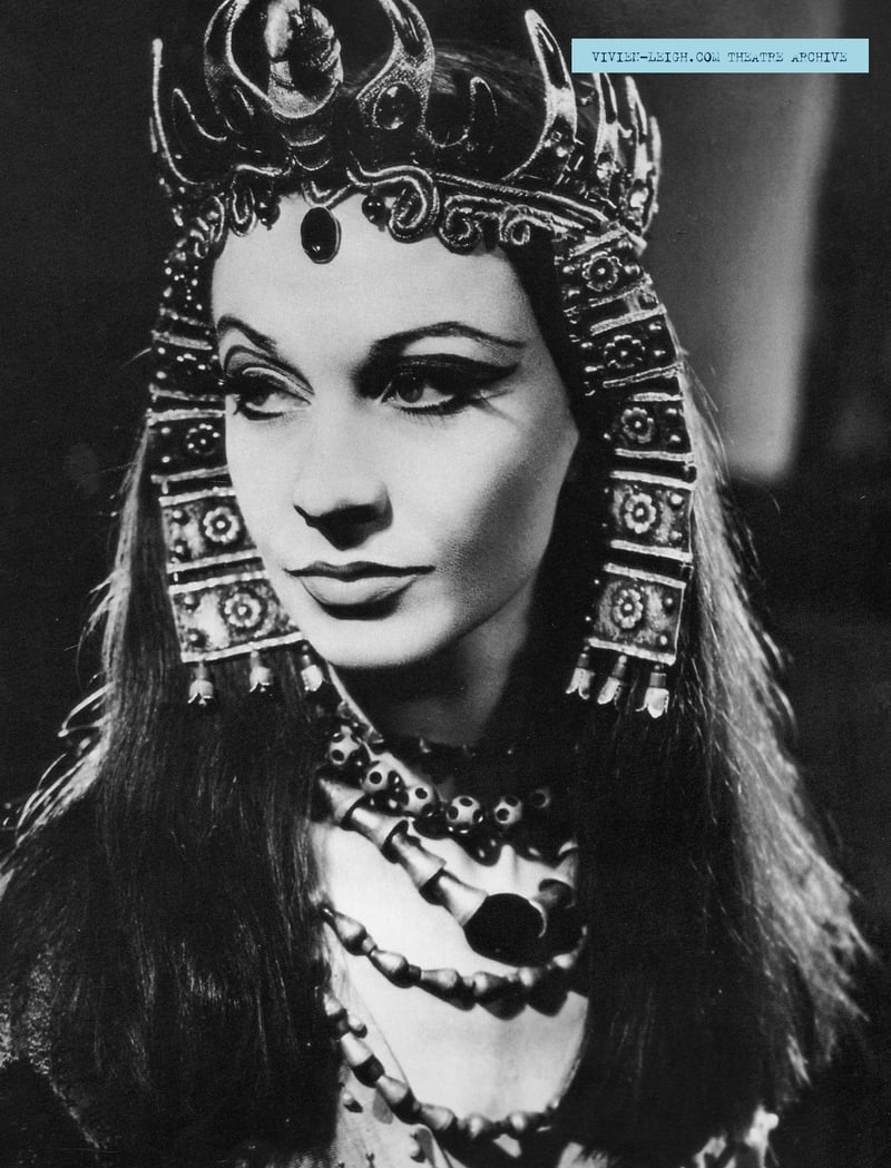 A Visual History of Cat Eye Makeup:Vivien Leigh as Cleopatra