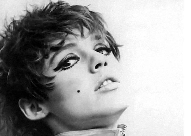 A Visual History of Cat Eye Makeup:Edie Sedgewick 1960s makeup