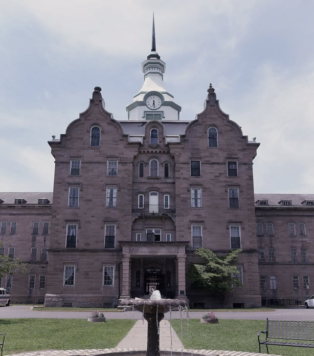 13 Weirdest Places to Visit in the US: Trans-Allegheny Lunatic Asylum
