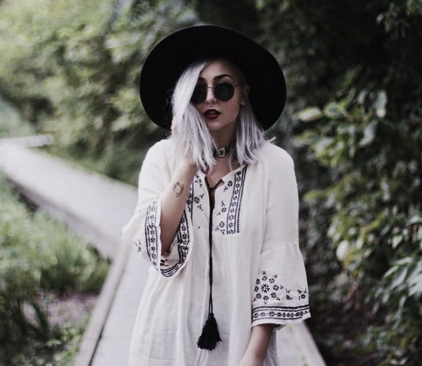 Alternative Outfits for The Beach: Boho grunge look