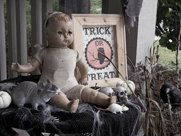 Fall Home Decor Ideas: Use Decorative Antique Dolls for an Edgy, Gothic Aesthetic