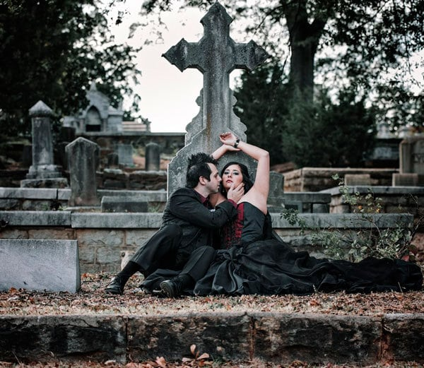 10 Ways To Have A Gothic Valentine's Day: Visit a Cemetary