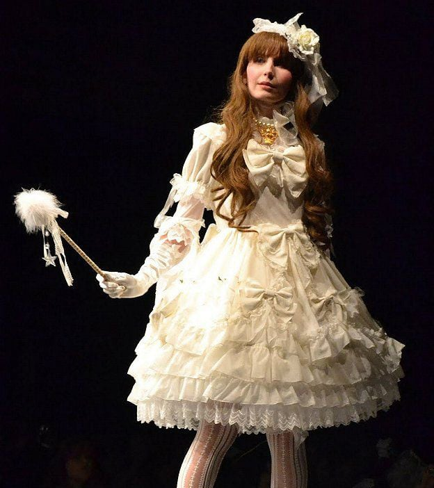 Lovely Lolita Looks For Wedding Season