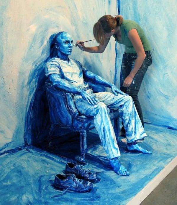 Alexa Meade realistic body paint