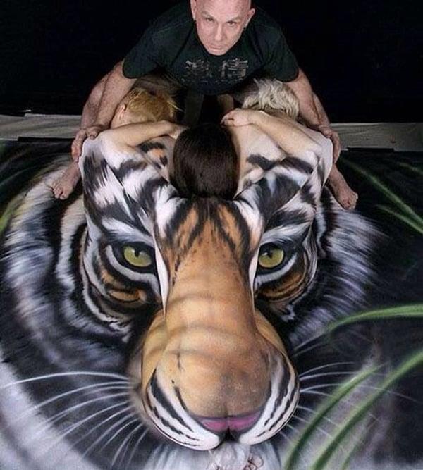 Craig Davies Lion Body art
