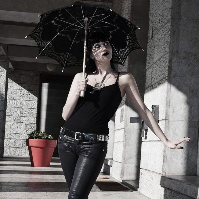 Goth Looks for Summer Fun: Gothic Parasol Sun Shader