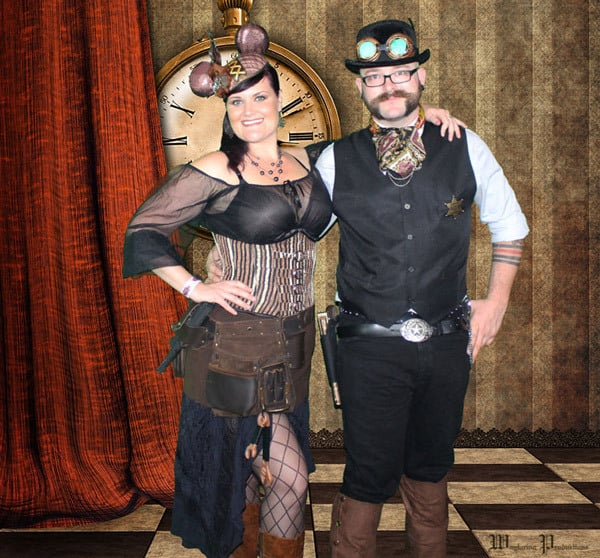 Awesome Favors For Your Steampunk Themed Wedding: Photo Booth