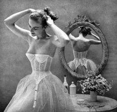 ballerina 50s fashion