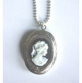 Victorian Locket Medallion Woman Cameo Necklace