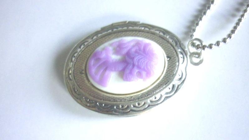 victorian_locket_medallion_lilac_skull_cameo_necklace_necklaces_4.JPG