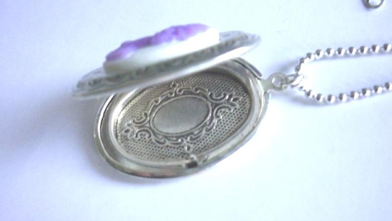 victorian_locket_medallion_lilac_skull_cameo_necklace_necklaces_3.JPG
