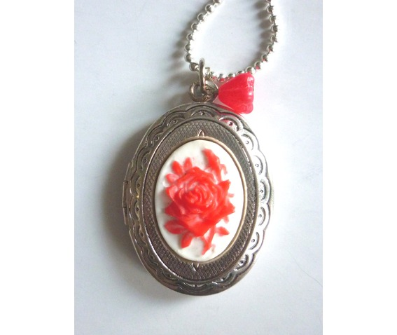 victorian_locket_medallion_red_rose_cameo_necklace_necklaces_6.JPG