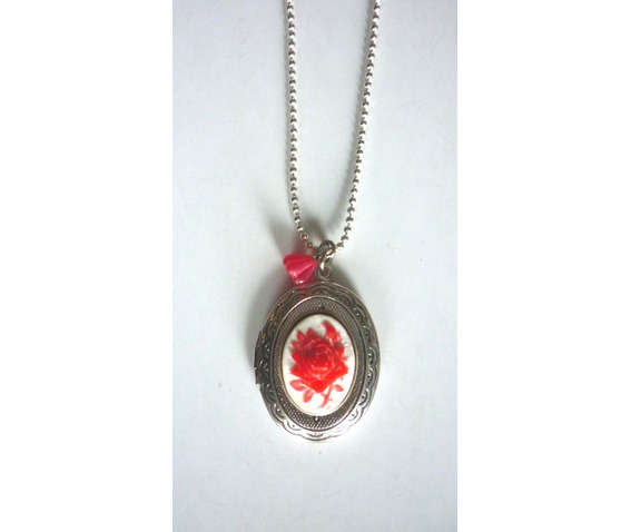 victorian_locket_medallion_red_rose_cameo_necklace_necklaces_4.JPG