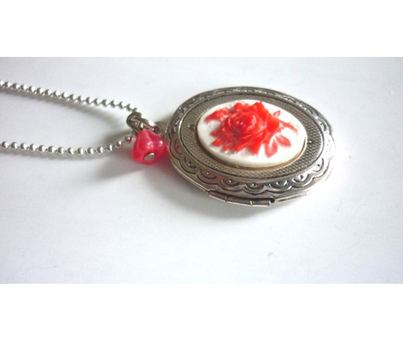 victorian_locket_medallion_red_rose_cameo_necklace_necklaces_3.JPG