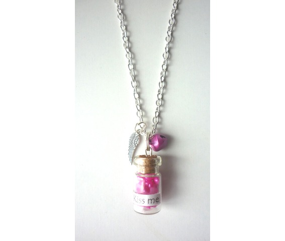 kiss_me_necklace_phial_bottle_heart_valentine_day_necklaces_4.JPG