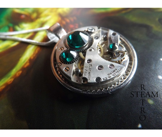 swarovski_crystal_steampunk_necklace_emerald_steamretro_necklaces_4.jpg
