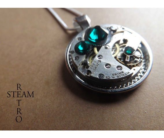 swarovski_crystal_steampunk_necklace_emerald_steamretro_necklaces_2.jpg