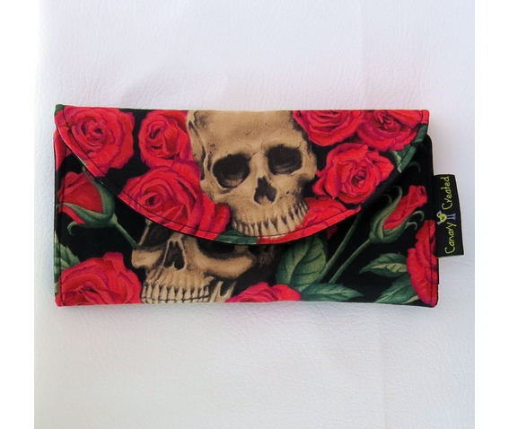 skulls_bed_roses_wallet_purses_and_handbags_2.jpg