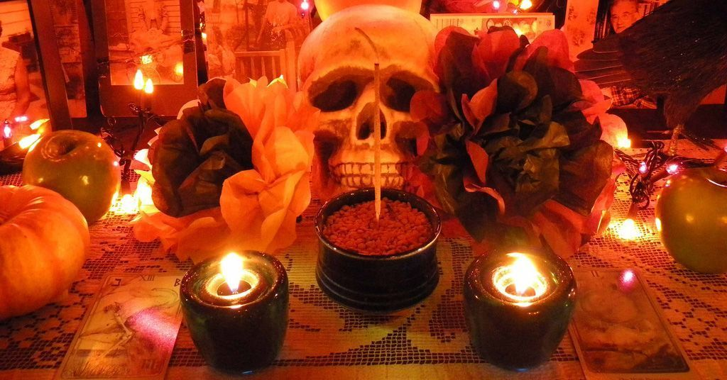 Awesomely Authentic Ways to Celebrate Samhain
