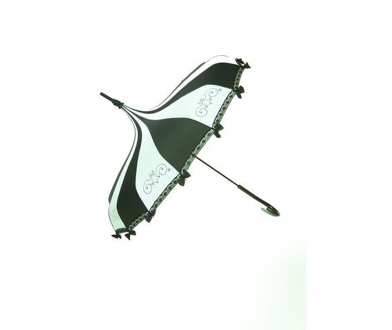 black_and_white_umbrella_umbrellas_5.jpg