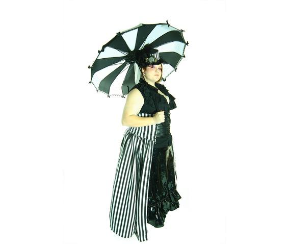 black_and_white_umbrella_umbrellas_3.jpg