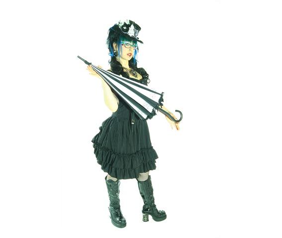 black_and_white_umbrella_umbrellas_2.jpg