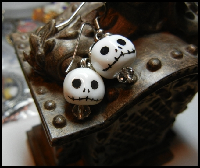 jack_skellington_nightmare_before_christmas_ceramic_earrings_crystals_earrings_2.JPG