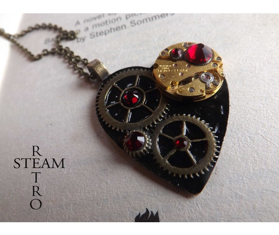 the_gothic_black_clockheart_steampunk_siam_necklace_steampunk_heart_gothic_heart_steampunk_jewelry_steamretro_necklaces_2.jpg