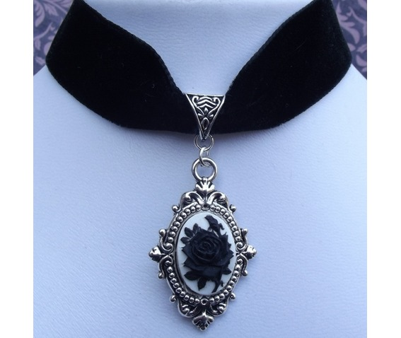gothic_victorian_steampunk_black_velvet_black_rose_cameo_choker_necklaces_2.jpg