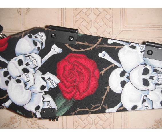 skull_roses_coffin_purse_purses_and_handbags_5.jpg