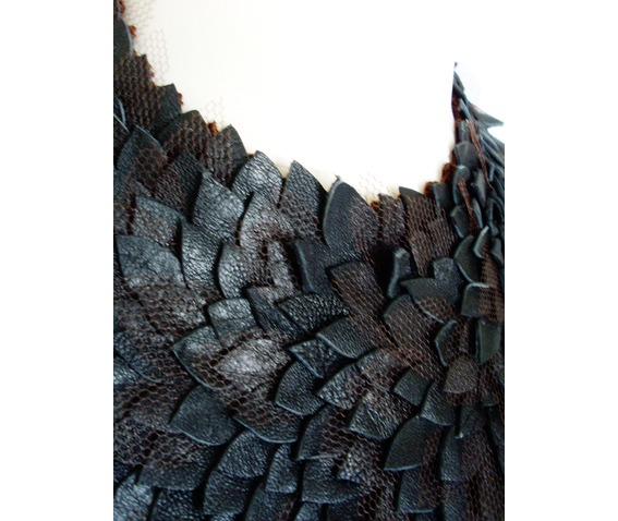 leather_necklase_necklaces_2.JPG