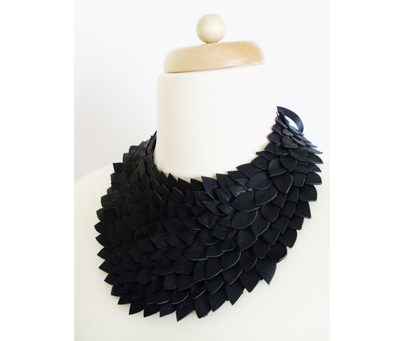leather_necklace_necklaces_4.JPG