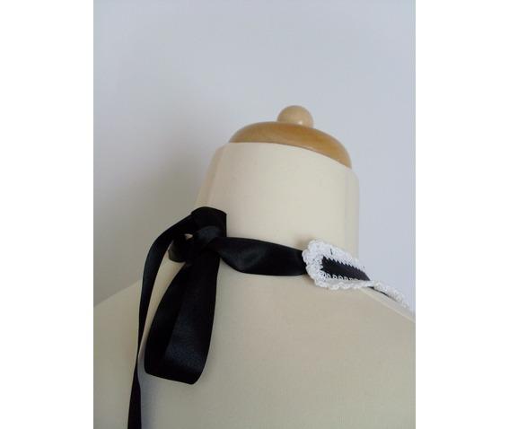 black_white_collar_necklaces_2.JPG