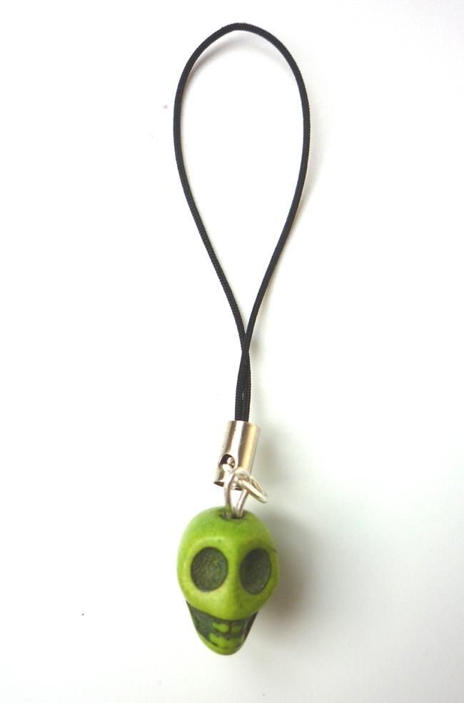 little_anis_green_skull_strap_keychains_3.JPG