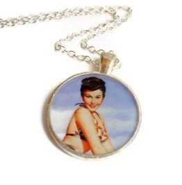 Old School Pinup Girl Rockabilly Necklace Brunette Swimming Suit Blue Sky Background, Retro Pinup Necklace