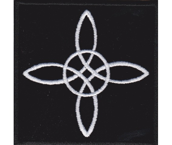 witch_knot_embroidered_patch_3_2_x_3_2_inch_original_art_2.jpg