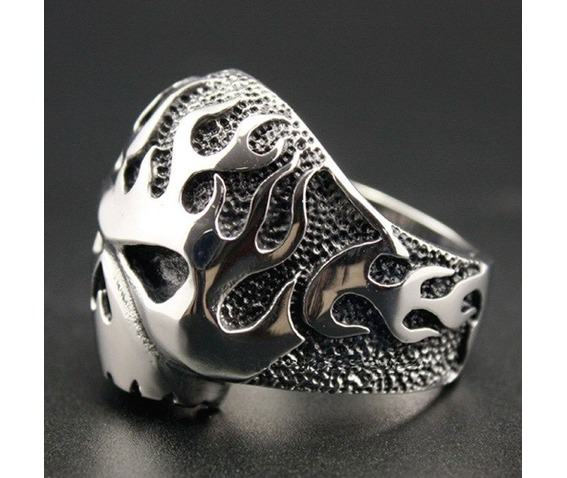 huge_and_heavy_solid_316_l_stainless_steel_fire_skull_biker_ring_gothic_ring_skull_ring_rings_4.jpg