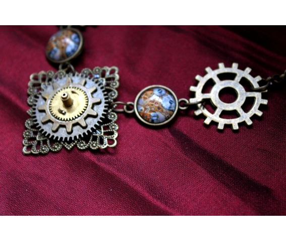 the_knight_victorian_necklace_necklaces_4.JPG