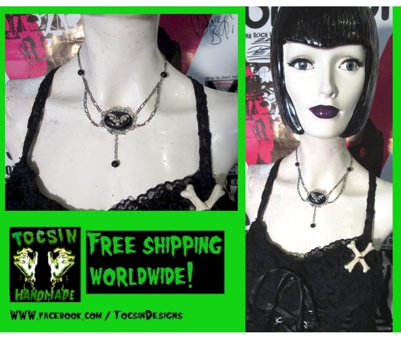gothic_bat_necklace_goth_choker_vampire_bat_jewelry_necklaces_3.jpg