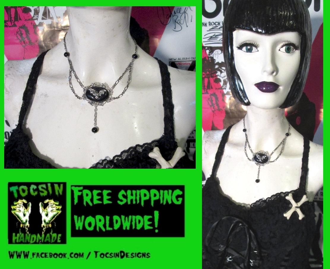 gothic_bat_necklace_goth_choker_vampire_bat_jewelry_necklaces_3.jpg