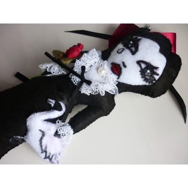 leda_and_the_swan_art_felt_doll_toys_4.jpg