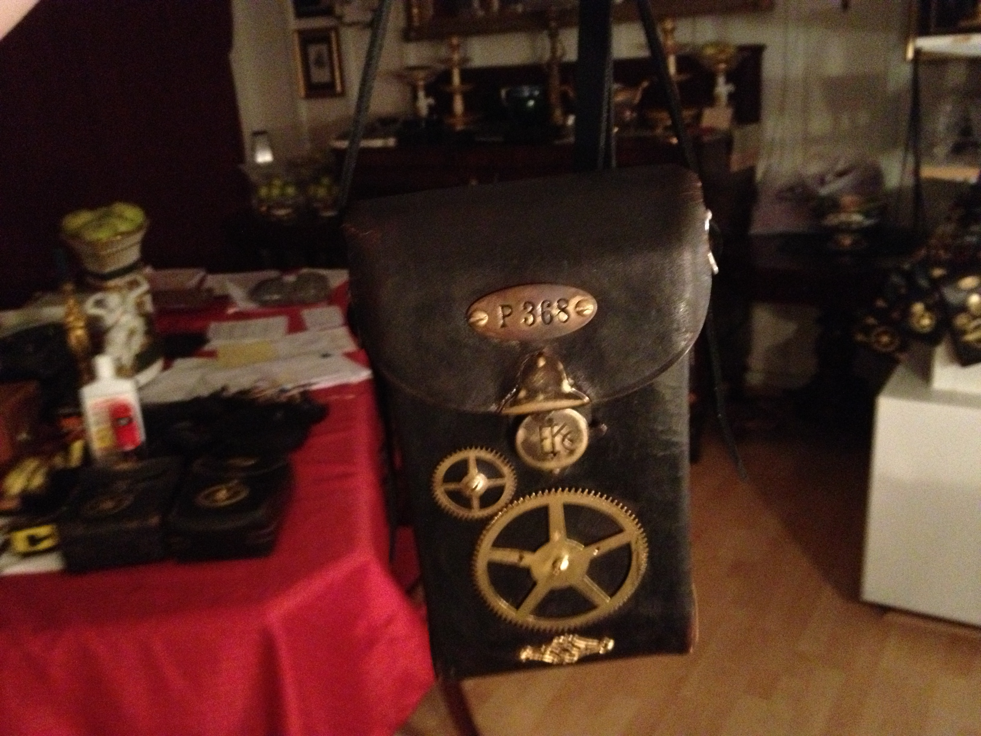 i_gearz_steampunk_adventure_case_medium_size_antique_leather_carry_case_p_368_bags_and_backpacks_2.JPG