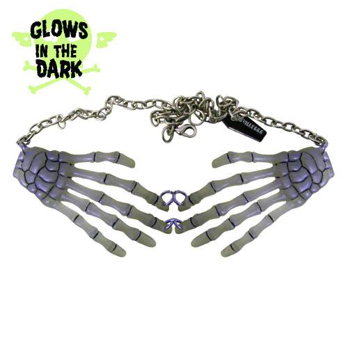 glow_in_the_dark_skeleton_hands_necklace_pins_3.jpg