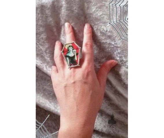 gothic_coffin_ring_rings_3.jpg