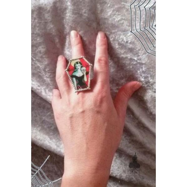gothic_coffin_ring_rings_3.jpg