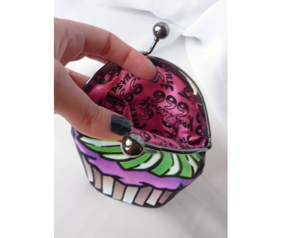 cupcake_skull_purse_purses_and_handbags_3.jpg